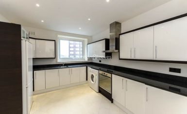 5 bedroom(s) flat to rent in Strathmore Court, Hampstead, NW8-image 2