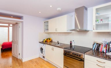 Studio flat to rent in Fleet Road, Hampstead Heath, NW3-image 2