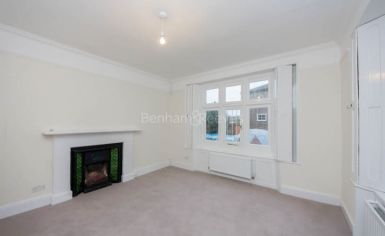 2 bedroom(s) flat to rent in Christchurch Passage, Hampstead, NW3-image 1