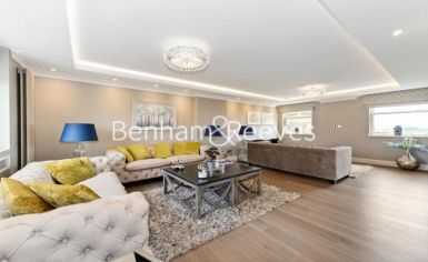 3 bedroom(s) house to rent in Boydell Court, St John's Wood, NW8-image 1