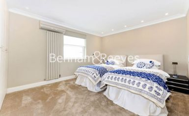 3 bedroom(s) house to rent in Boydell Court, St John's Wood, NW8-image 4