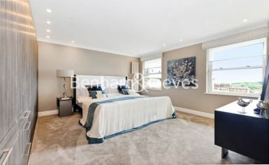 3 bedroom(s) house to rent in Boydell Court, St John's Wood, NW8-image 8