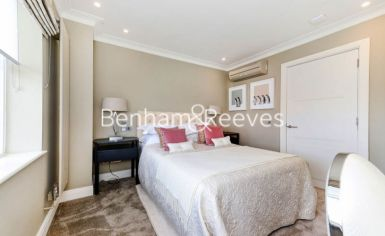 3 bedroom(s) house to rent in Boydell Court, St John's Wood, NW8-image 9