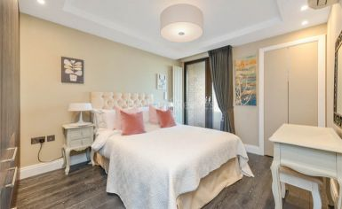 3 bedroom(s) flat to rent in Cresta House, Finchley Road, NW3-image 5