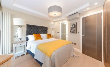 3 bedroom(s) flat to rent in Cresta House, Finchley Road, NW3-image 8