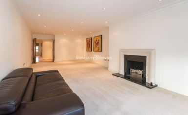 3 bedroom(s) flat to rent in Mountview Close, Hampstead, NW11-image 1