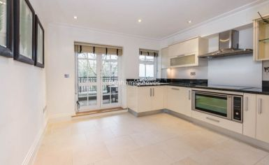 3 bedroom(s) flat to rent in Mountview Close, Hampstead, NW11-image 5