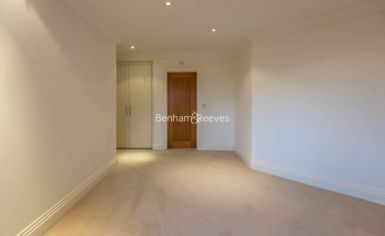 3 bedroom(s) flat to rent in Mountview Close, Hampstead, NW11-image 7
