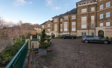 3 bedroom(s) flat to rent in Mountview Close, Hampstead, NW11-image 16