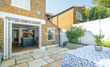 3 bedroom(s) house to rent in Glengall Road, Queens Park, NW6-image 4