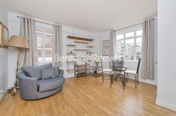 Studio flat to rent in Nell Gwynn House, Sloane Avenue, SW3-image 1