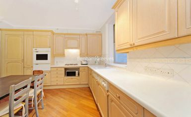 2 bedroom(s) flat to rent in Lampard House, Royal Hospital Road, SW3-image 2