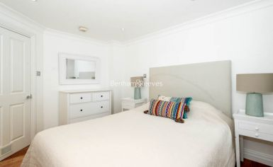 2 bedroom(s) flat to rent in Beauchamp Place, Knightsbridge, SW3-image 10