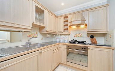 2 bedroom(s) flat to rent in Elm Park Gardens, Chelsea, SW10-image 3