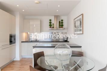 1 bedroom(s) flat to rent in Hepworth Court, Grosvenor Waterside, SW1-image 5