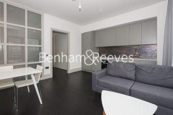 Studio flat to rent in Victoria Street, Victoria, SW1H-image 1
