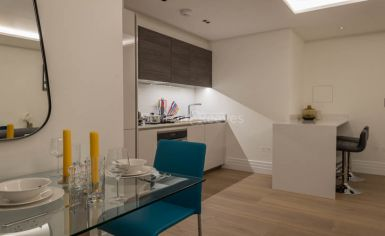 Studio flat to rent in Kensington Gardens Square, Bayswater, W2-image 4