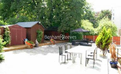 Studio flat to rent in St Stephens Gardens, Lancaster Gate, W2-image 6