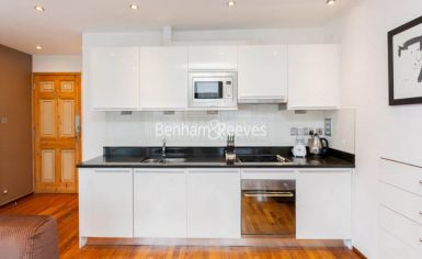 Studio flat to rent in Upper Berkeley Street, Hyde Park, W1H-image 2