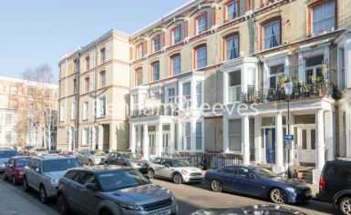 Studio flat to rent in Cheniston Gardens, Kensington, W8-image 5