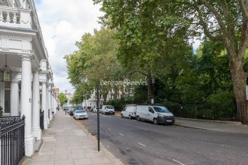 3 bedroom(s) flat to rent in Courtfield Gardens, Kensington, SW5-image 2