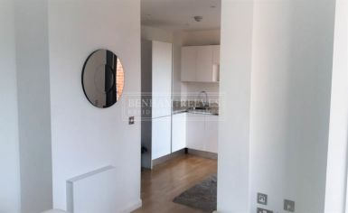 Studio flat to rent in Avonmore Place, Kensington, W14-image 4