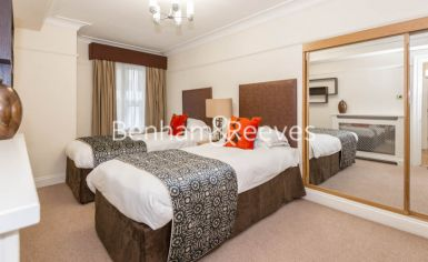 3 bedroom(s) flat to rent in Prince of Wales Terrace, Kensington, London W8-image 7