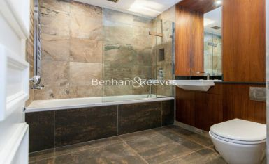 3 bedroom(s) flat to rent in Kensington Green, Kensington, W8-image 3