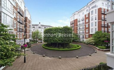 3 bedroom(s) flat to rent in Kensington Green, Kensington, W8-image 7