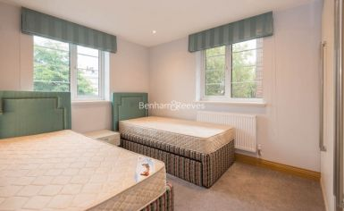 3 bedroom(s) flat to rent in Marlborough Court, Pembroke Road, W8-image 6