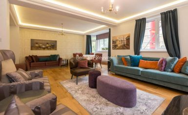 3 bedroom(s) flat to rent in Marlborough Court, Pembroke Road, W8-image 8