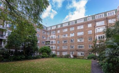 3 bedroom(s) flat to rent in Marlborough Court, Pembroke Road, W8-image 13