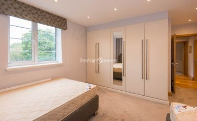 3 bedroom(s) flat to rent in Marlborough Court, Pembroke Road, W8-image 18