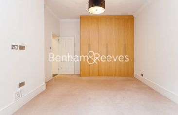 3 bedroom(s) flat to rent in Kensington Court Mansions, Kensington, W8-image 3