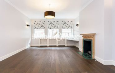 3 bedroom(s) flat to rent in Kensington Court Mansions, Kensington, W8-image 5