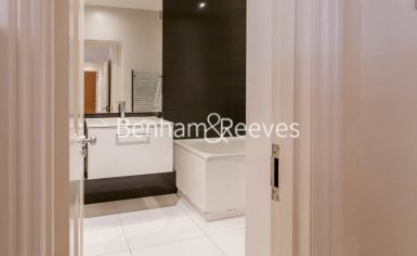3 bedroom(s) flat to rent in Kensington Court Mansions, Kensington, W8-image 10