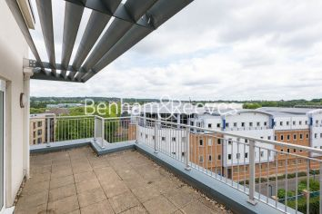 3 bedroom(s) flat to rent in Beaufort Park, Colindale, NW9-image 6