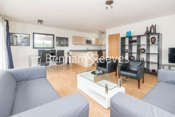 3 bedroom(s) flat to rent in Beaufort Park, Colindale, NW9-image 7