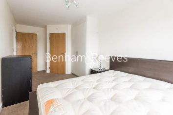 3 bedroom(s) flat to rent in Beaufort Park, Colindale, NW9-image 10