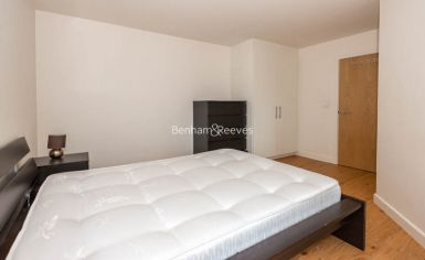 1 bedroom(s) flat to rent in Heritage Avenue, Beaufort Park, NW9-image 4