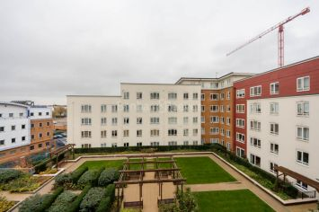 Studio flat to rent in Boulevard Drive, Colindale, NW9-image 5