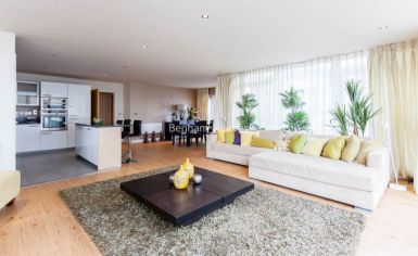 3 bedroom(s) flat to rent in Boulevard Drive, Colindale, NW9-image 2