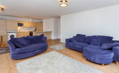 2 bedroom(s) flat to rent in Heritage Avenue, Colindale, NW8-image 1
