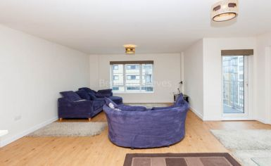 2 bedroom(s) flat to rent in Heritage Avenue, Colindale, NW8-image 2