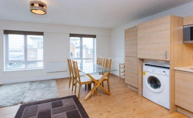2 bedroom(s) flat to rent in Heritage Avenue, Colindale, NW8-image 3