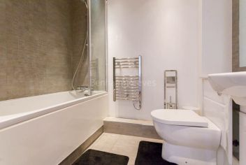 Studio flat to rent in East Drive, Colindale, NW9-image 5