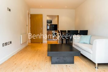 2 bedroom(s) flat to rent in Curtiss House, Heritage Avenue, NW9-image 1