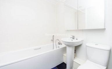 2 bedroom(s) flat to rent in The Pulse, Colindale, NW9-image 5