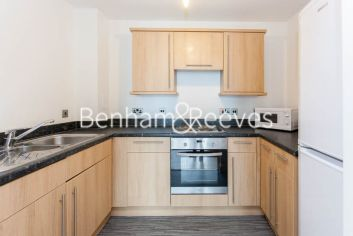 1 bedroom(s) flat to rent in Lingard Avenue, Colindale, NW9-image 2