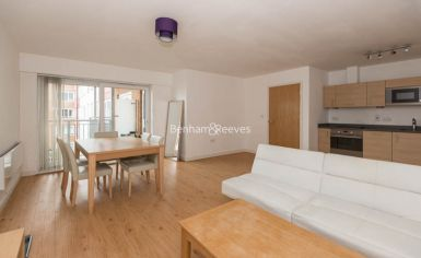 1 bedroom(s) flat to rent in Boulevard Drive, Colindale, NW9-image 2